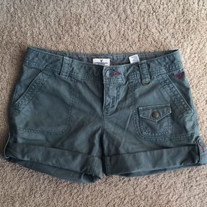 American Eagle Outfitters green shorts